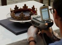 Analyse gemmologique de la couronne-reliquaire Université de Liège
