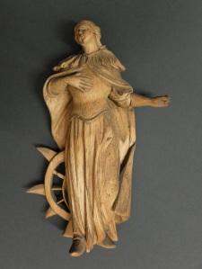 Sainte Catherine. Statuette du 18e siècle. Musée diocésain de Namur.